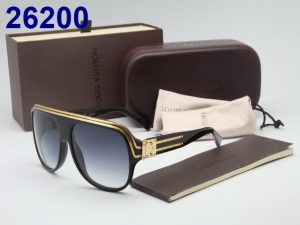 Louis-Vuitton-26200-Sunglass-BlackGold